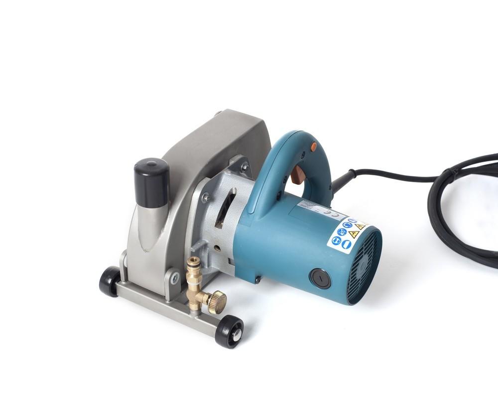 Makita 5903R sleuvenzaagmachine 230DZ voor nat + droog zagen